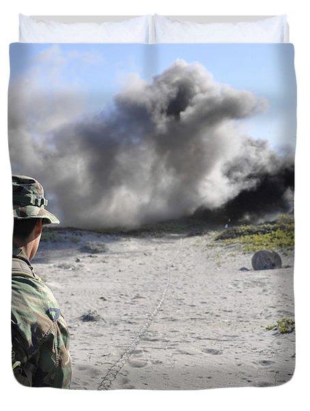 A U.s. Navy Student In Basic Underwater Duvet Cover by Stocktrek Images