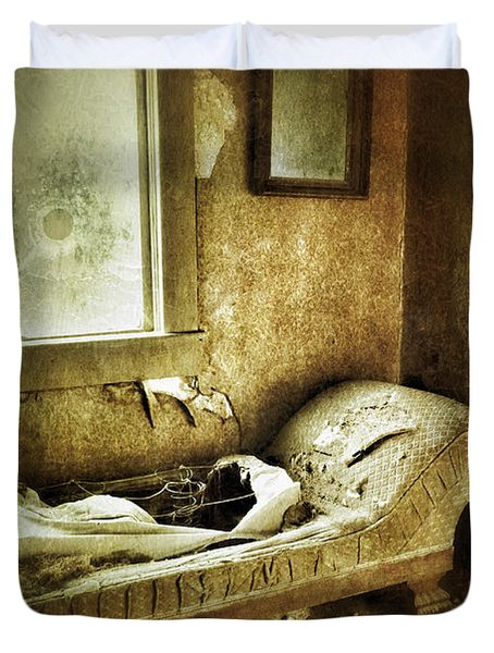 Abandoned Parlor Duvet Cover by Jill Battaglia