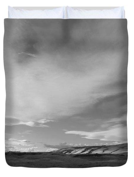 Duvet Cover featuring the photograph Across The Valley by Kathleen Grace