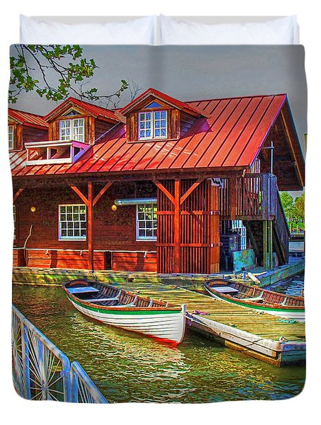 Along The Potamac Duvet Cover by Rodney Campbell