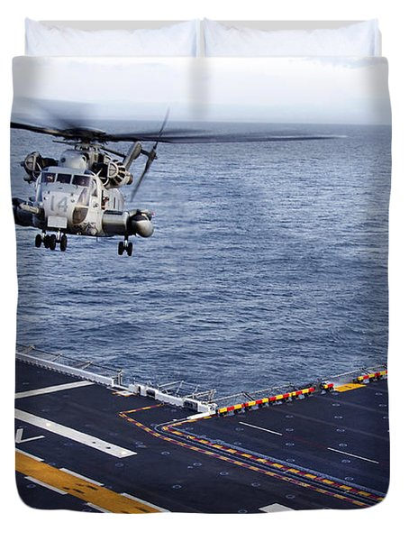 An Mh-53e Sea Dragon Prepares To Land Duvet Cover by Stocktrek Images