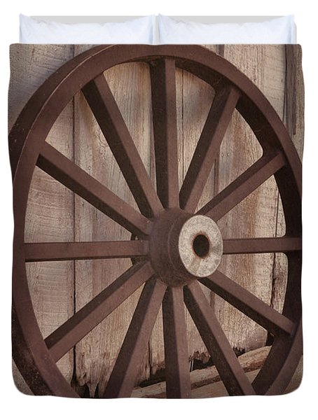 An Old Wagon Wheel Duvet Cover
