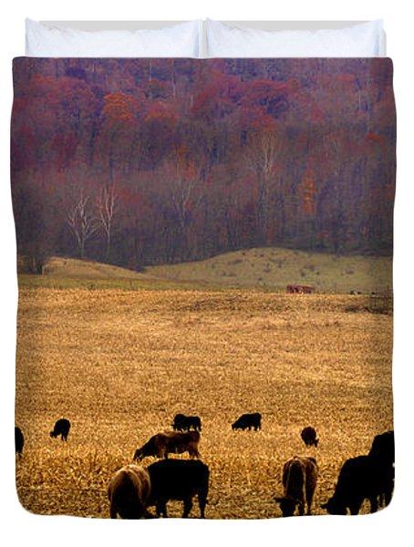 Duvet Cover featuring the photograph Angus And Oaks  Farm by Randall Branham
