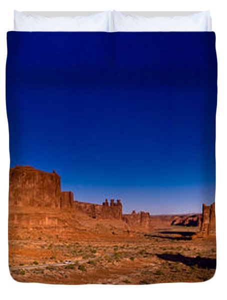 Arches National Park Duvet Cover by Larry Carr