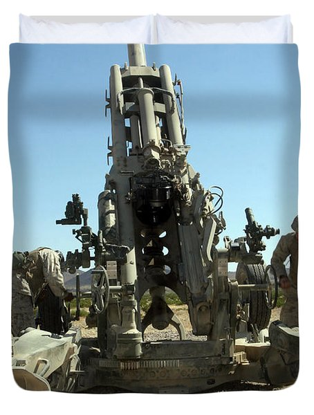 Artillerymen Manning The M777 Duvet Cover by Stocktrek Images