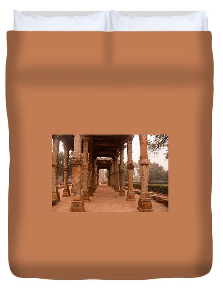 Artistic Pillars Are All That Remain Of This Old Monument Inside The Qutub Minar Complex Duvet Cover by Ashish Agarwal
