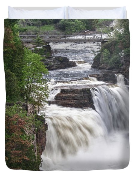 Ausable Chasm 5172 Duvet Cover by Guy Whiteley