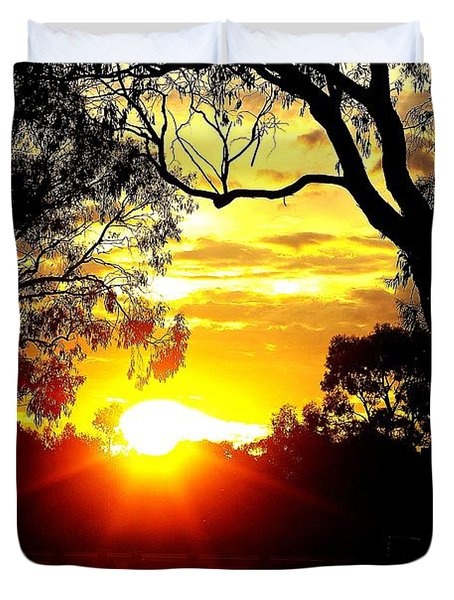 Duvet Cover featuring the photograph Aussie Sunset by Blair Stuart