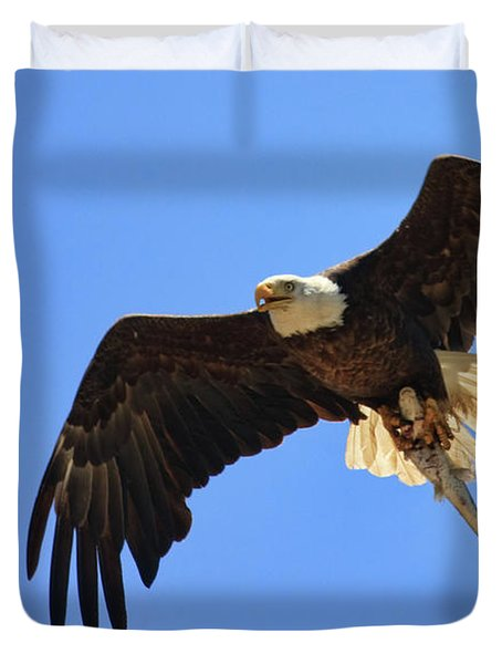 Bald Eagle Catch Duvet Cover