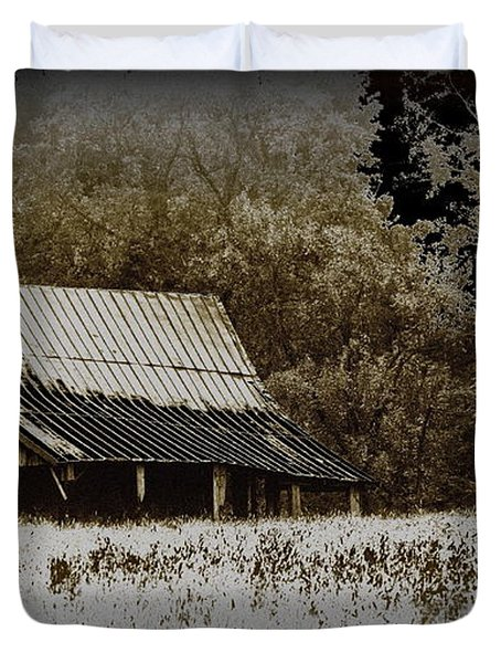 Barn In The Field Duvet Cover by Travis Truelove