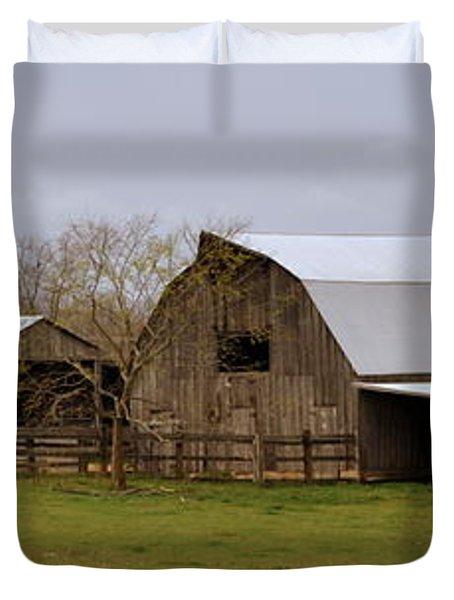 Barn In The Ozarks Duvet Cover by Marty Koch