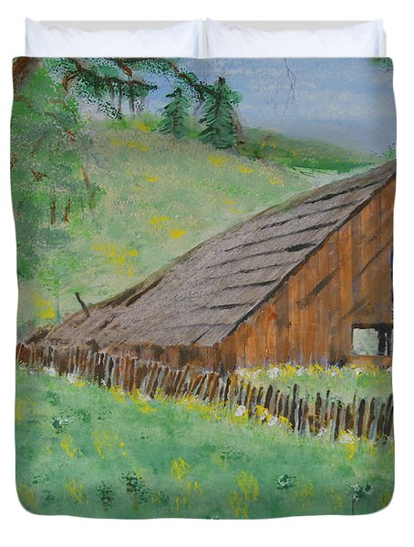 Barn On Hiway 20 Duvet Cover by Mick Anderson