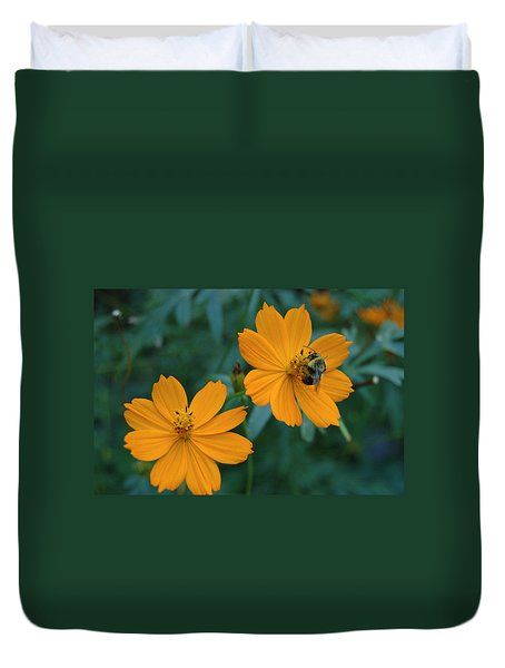 Duvet Cover featuring the photograph Bee On Cosmos Flower  by Tom Wurl