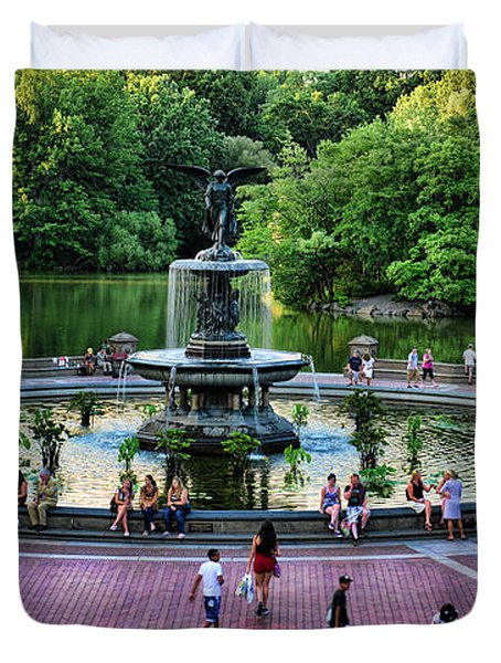 Bethesda Fountain Overlooking Central Park Pond Duvet Cover by Paul Ward