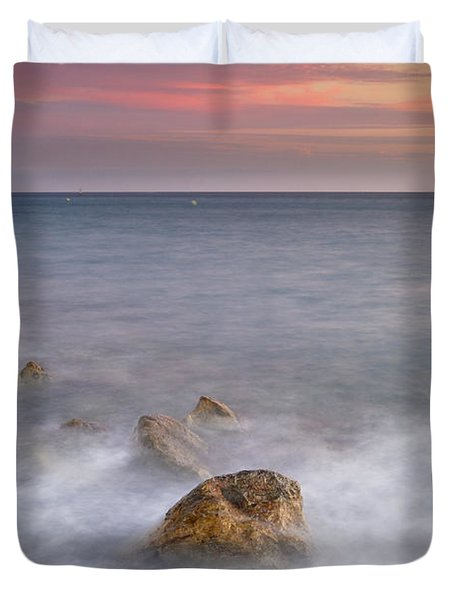 Big Rock Against The Waves Duvet Cover by Guido Montanes Castillo