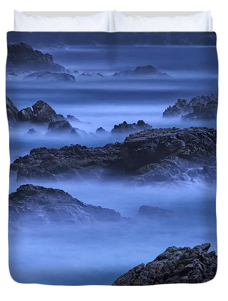 Duvet Cover featuring the photograph Big Sur Mist by William Lee
