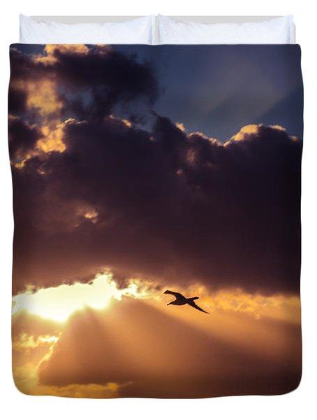 Bird In Sunrise Rays Duvet Cover