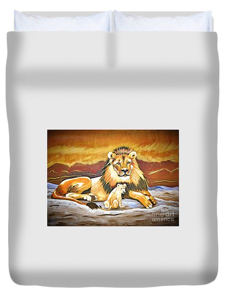 Black Maned Lion And Cub Duvet Cover by Phyllis Kaltenbach
