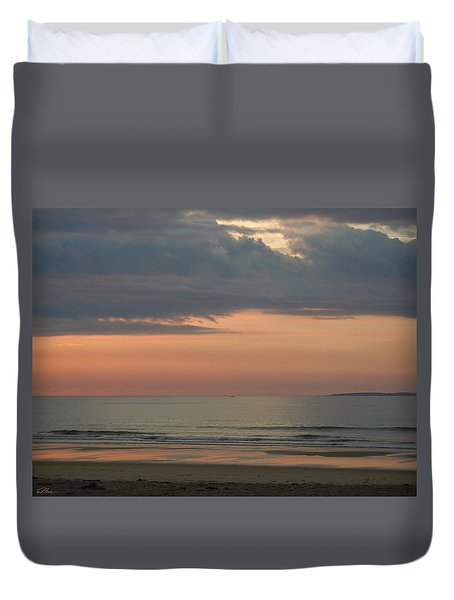 Boat On Horizon In Maine Duvet Cover