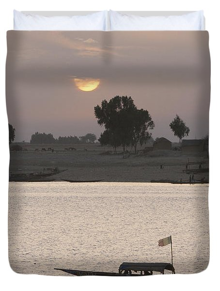 Boat On The Niger River In Mopti, Mali Duvet Cover by Peter Langer