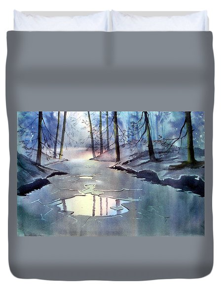 Breaking Ice Duvet Cover