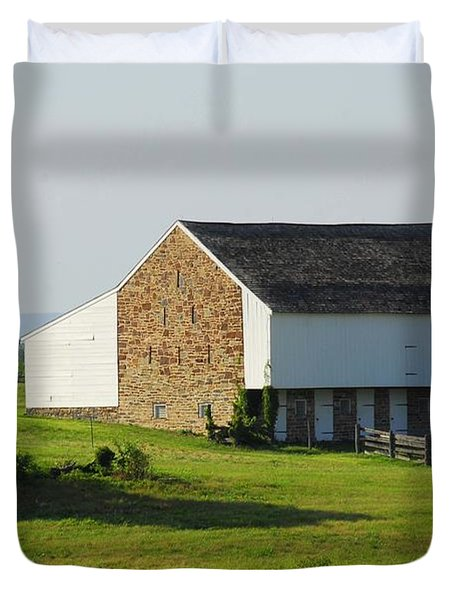 Brian Barn At Gettysburg Duvet Cover by Cindy Manero