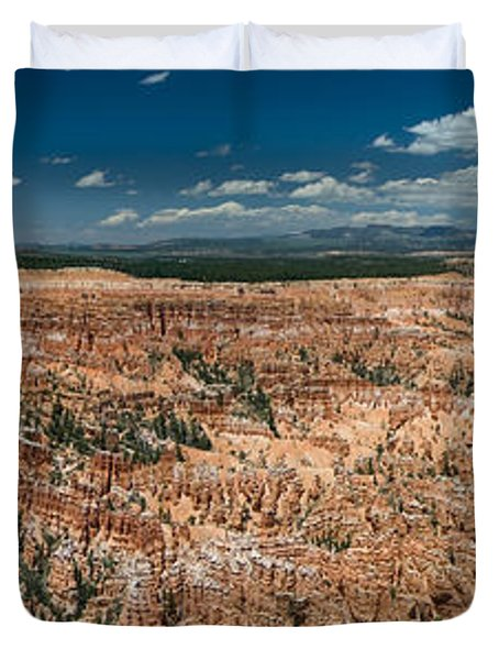 Bryce Canyon Panaramic Duvet Cover by Larry Carr