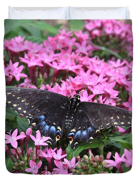 Duvet Cover featuring the photograph Butterfly Pinkflowers by Jerry Bunger