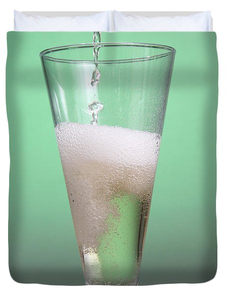 Carbonated Drink Duvet Cover by Photo Researchers, Inc.