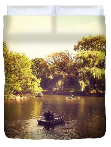 Central Park Romance - New York City Duvet Cover by Vivienne Gucwa