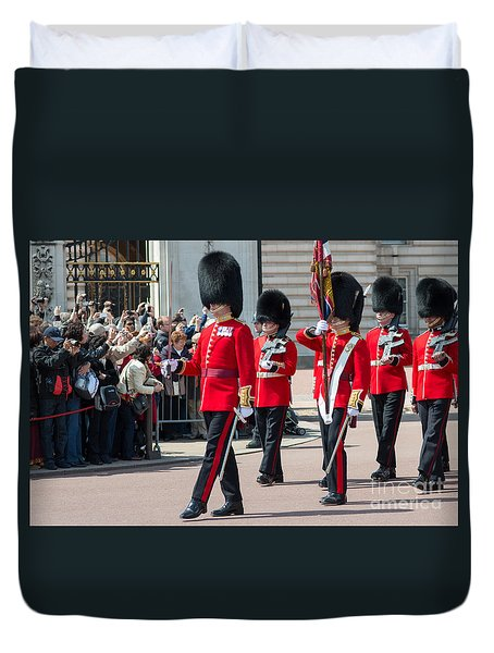 Changing Of The Guard At Buckingham Palace Duvet Cover