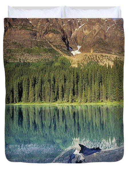 Chephren Lake And Mt. Chephren, Banff Duvet Cover by Darwin Wiggett