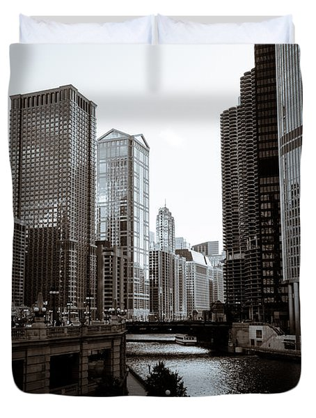 Chicago River Downtown Buildings In Black And White Duvet Cover by Paul Velgos