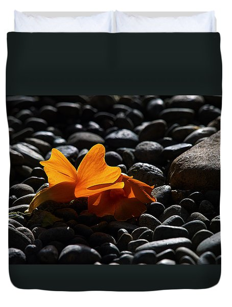 Duvet Cover featuring the photograph Clockvine Blossom 051012 by Joe Schofield