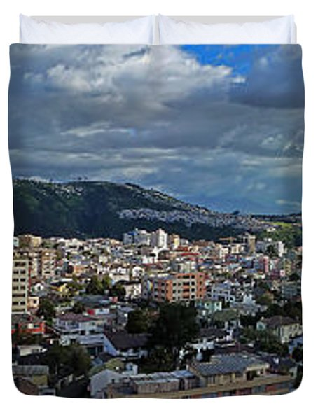 Close Of Business - Quito - Ecuador Duvet Cover