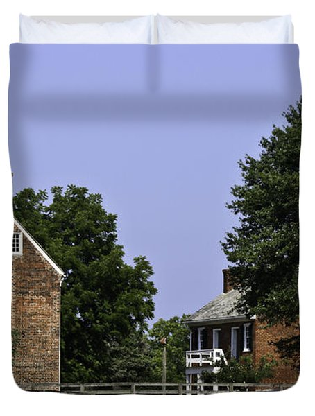 Clover Hill Tavern And Kitchen Appomattox Virginia Duvet Cover by Teresa Mucha