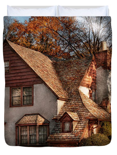 Cottage - Westfield Nj - Family Cottage Duvet Cover by Mike Savad