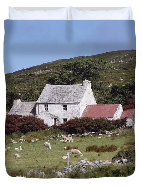 Cottage, Ireland Duvet Cover by The Irish Image Collection