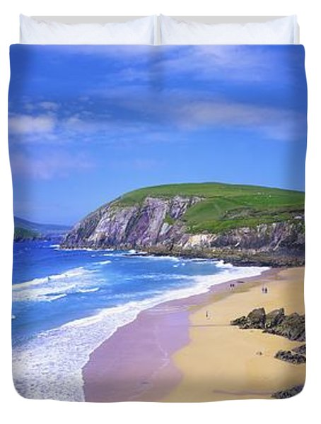 Coumeenoole Beach, Dingle Peninsula, Co Duvet Cover by The Irish Image Collection