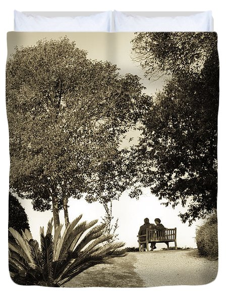 Couple On The Bench In Venice Duvet Cover by Madeline Ellis
