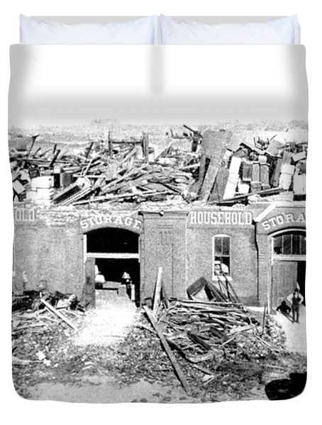 Cyclone Damage, 1896 Duvet Cover by Science Source