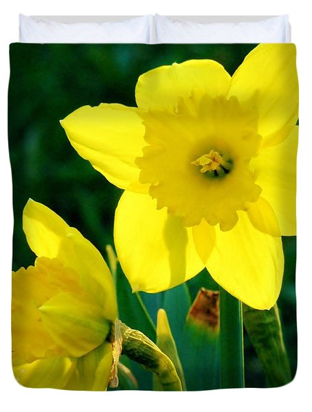 Duvet Cover featuring the photograph Daffodils by Sherman Perry