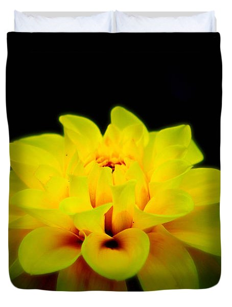 Duvet Cover featuring the photograph Dahlia Delight by Jeanette C Landstrom