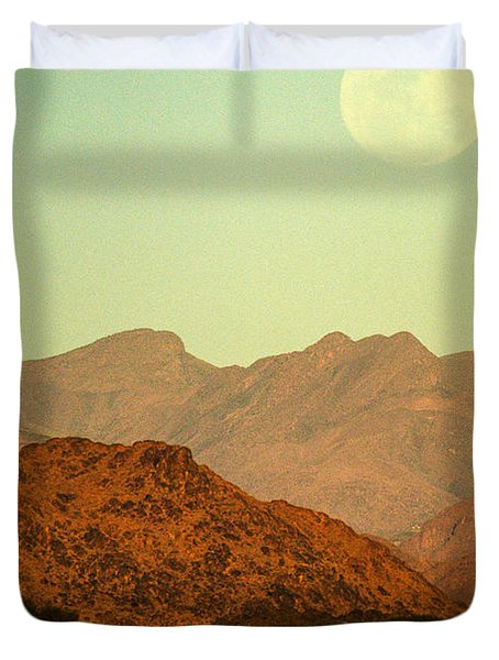 Desert Moonrise Duvet Cover