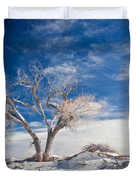 Desert Tree In White Sands Duvet Cover by Ralf Kaiser
