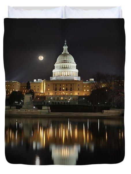 Digital Liquid - Full Moon At The Us Capitol Duvet Cover
