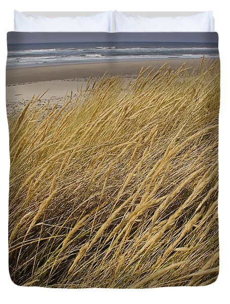 Dune Grass On The Oregon Coast Duvet Cover by Mick Anderson