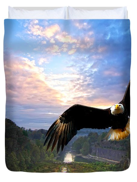 Duvet Cover featuring the photograph Eagle At Paint Creek Dam by Randall Branham