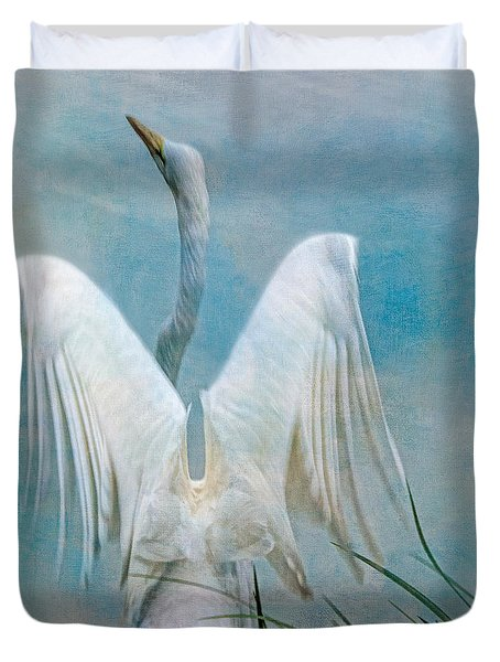 Egret Preparing To Launch Duvet Cover