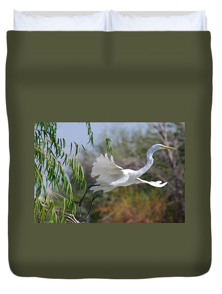 Duvet Cover featuring the photograph Egret's Flight by Tam Ryan